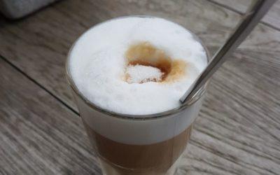 Was wir vom Kaffee trinken über Achtsamkeit und Glück lernen können